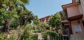 Pink Palace Hotel - -