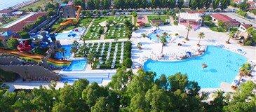 Risus Aqua Beach Resort