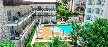 Yeni Hotel & Residence