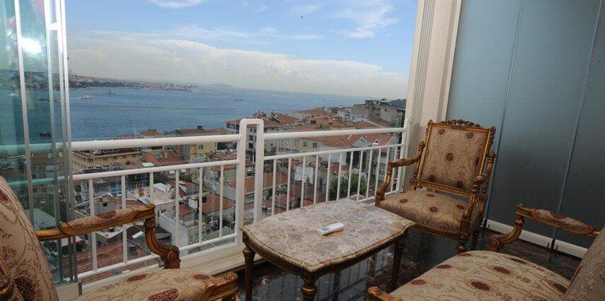 Maroon Bosphorus İstanbul Beyoğlu